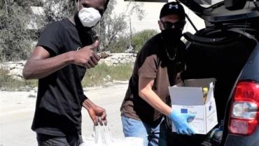 Alimenti e mascherine per gli immigrati, perché nessuno rimanga indietro